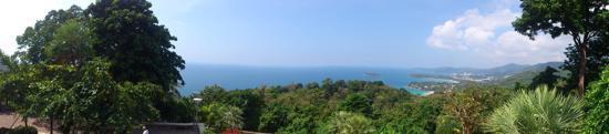 Вид со вьювпоинта за пляжем Ката-Ной